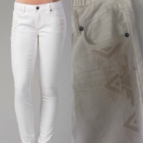 e9f997cee64166 American Eagle Outfitters Jeans | White Embroidered American Eagle ...